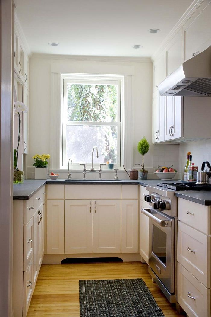 Дизайн узкой кухни - 100 фото интерьеров.