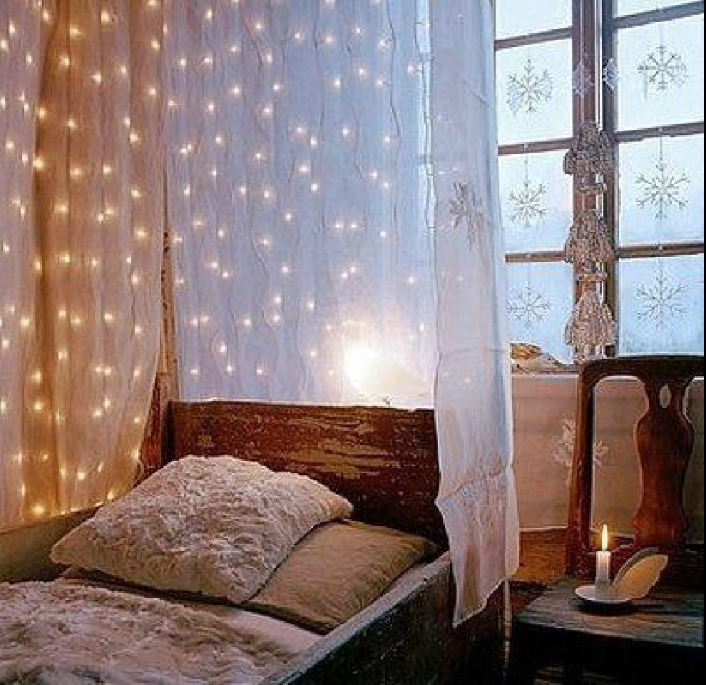 Trends 2011 Ideas Designs Creative Christmas Canopy Bed Lighting