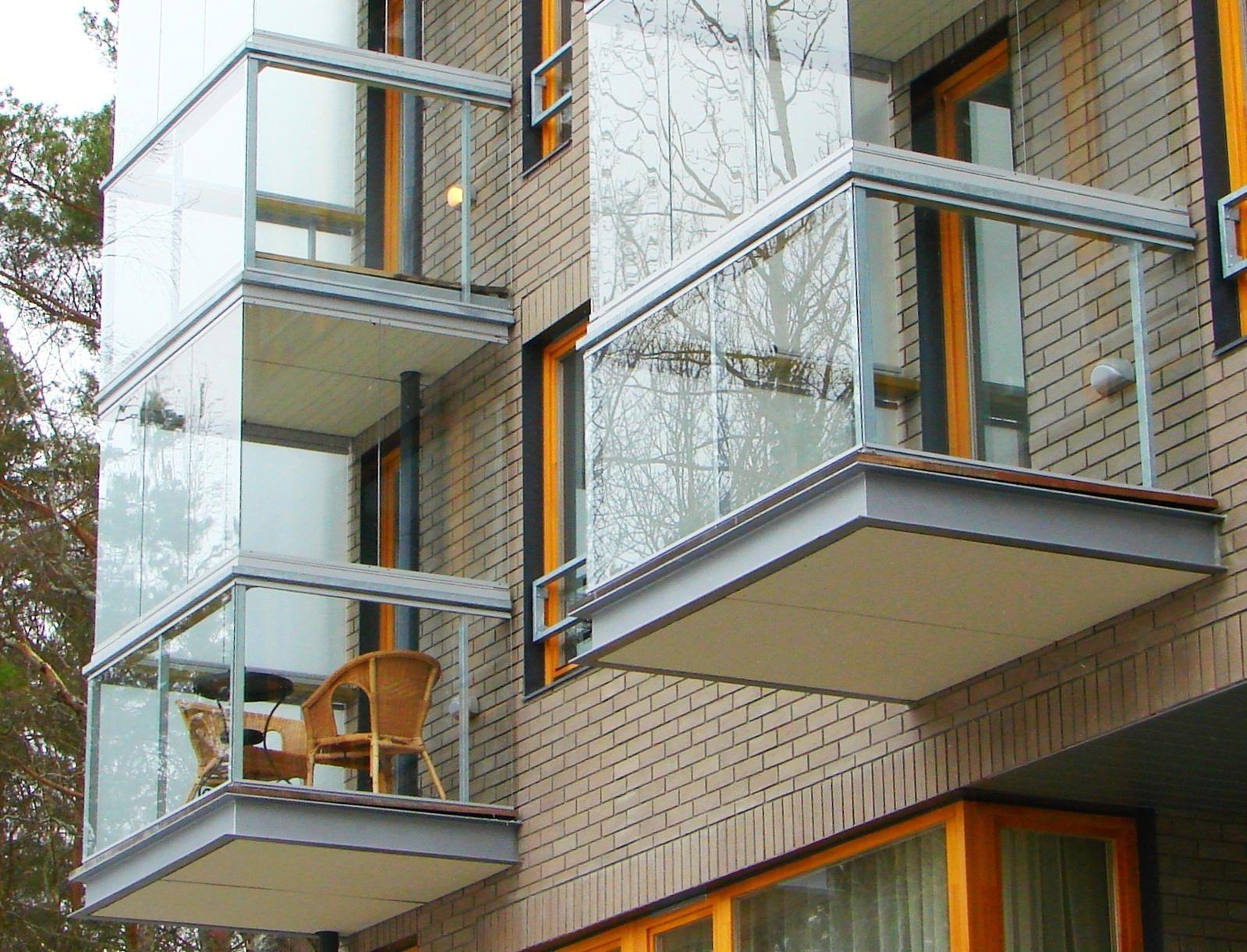 Лучшее из алюминиевых остекление балкона.