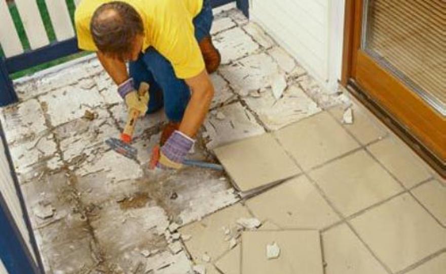 Как убрать плитку с пола