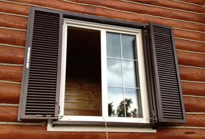 металлические ставни на окна на даче