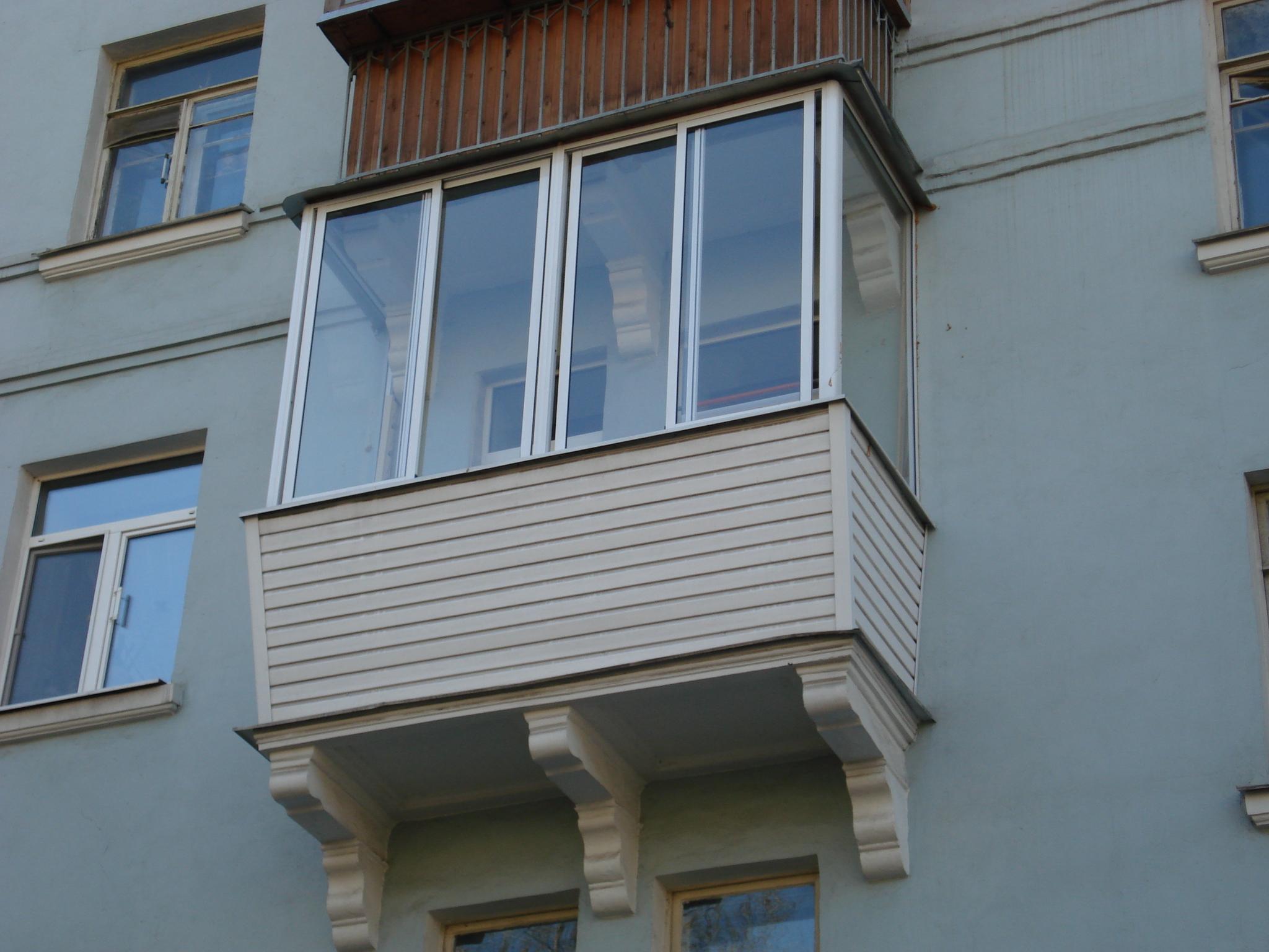 balkony_s_vynosom_foto_1