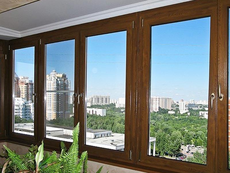 derevyannye-evrookna-osteklenie-balkona