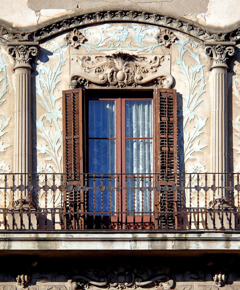 francuzskoe-okno-s-pilyastrami