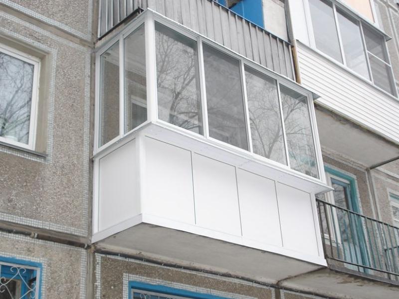 osteklenie-balkona-v-khrushhevke-7