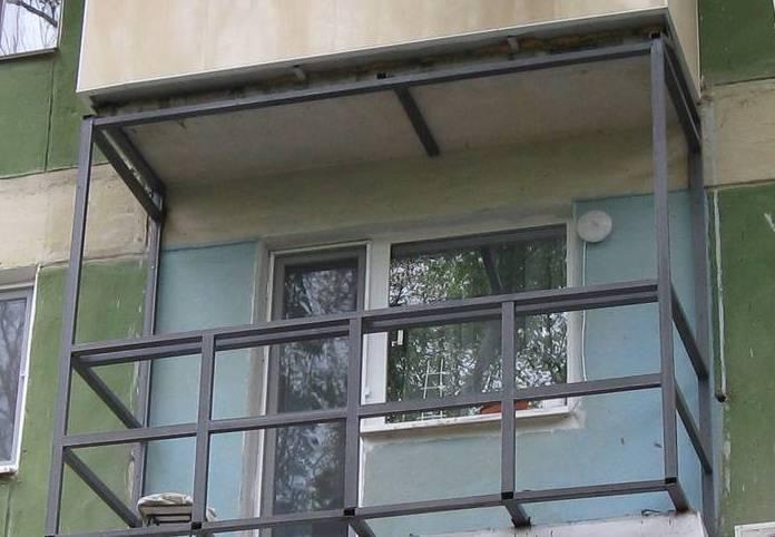 osteklenie-balkonov-alyuminievoe