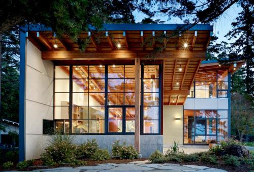 Экологичность алюминиевых витражей позволяет их использовать даже в частных домах